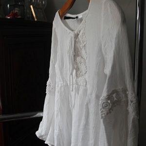 H&M Lace bellsleeve blouse Size 6